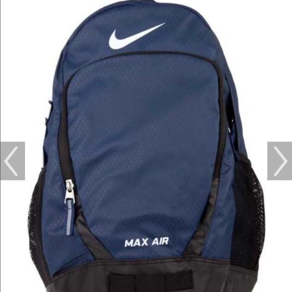 1db2e663c7c Nike Max Air backpack Navy and black. M 5bd3c911cdc7f7fa58a01f3d